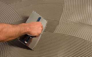Как выровнять пол плиточным клеем под ламинат и линолеум