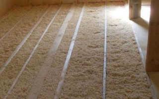 Как выполнить утепление потолка опилками в частном деревянном доме